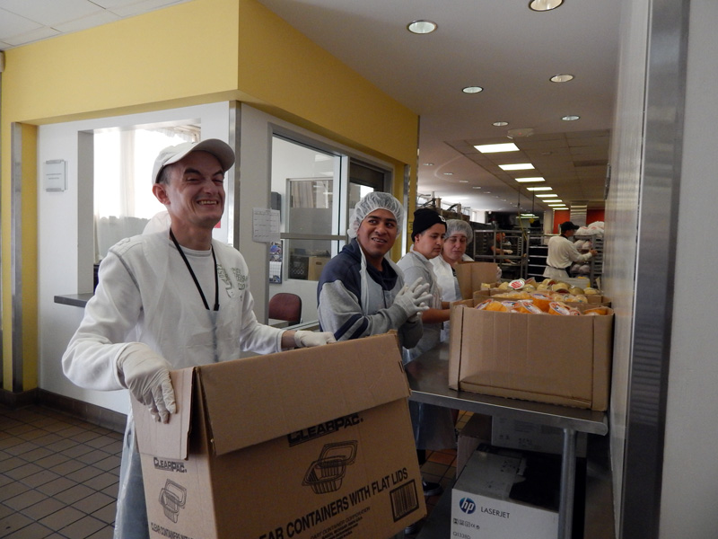 Project Angel Food - Volunteer Groups - 04-07-2014-Easter-Seals-044